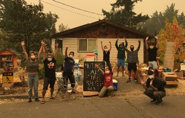 Rogue Climate receiving relief supplies | Image courtesy Sierra Club, Oregon Chapter